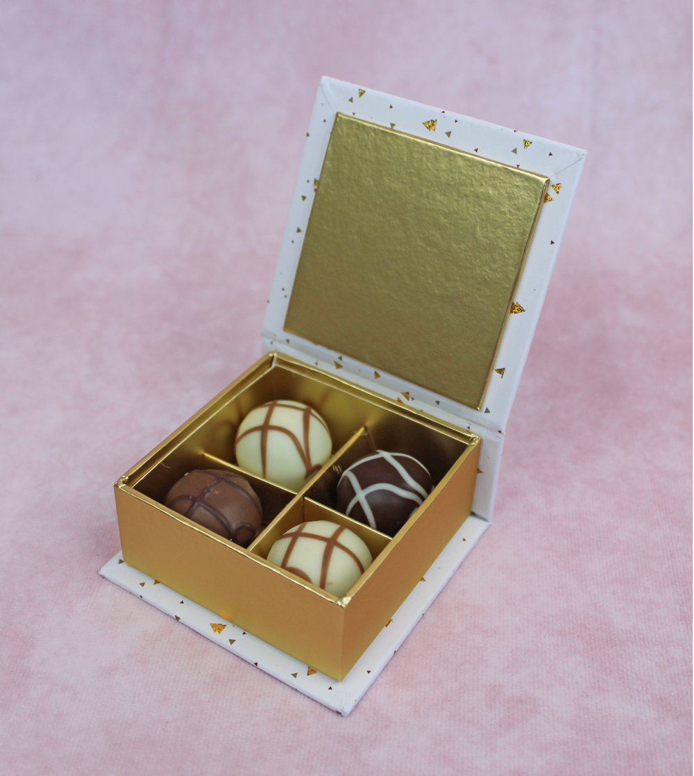 Pralinen Schachtel quadratisch mit Klappdeckel