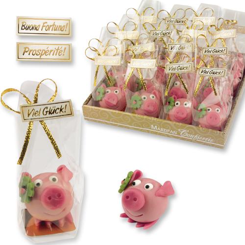 Marzipan Glücksschwein mit Kleeblatt