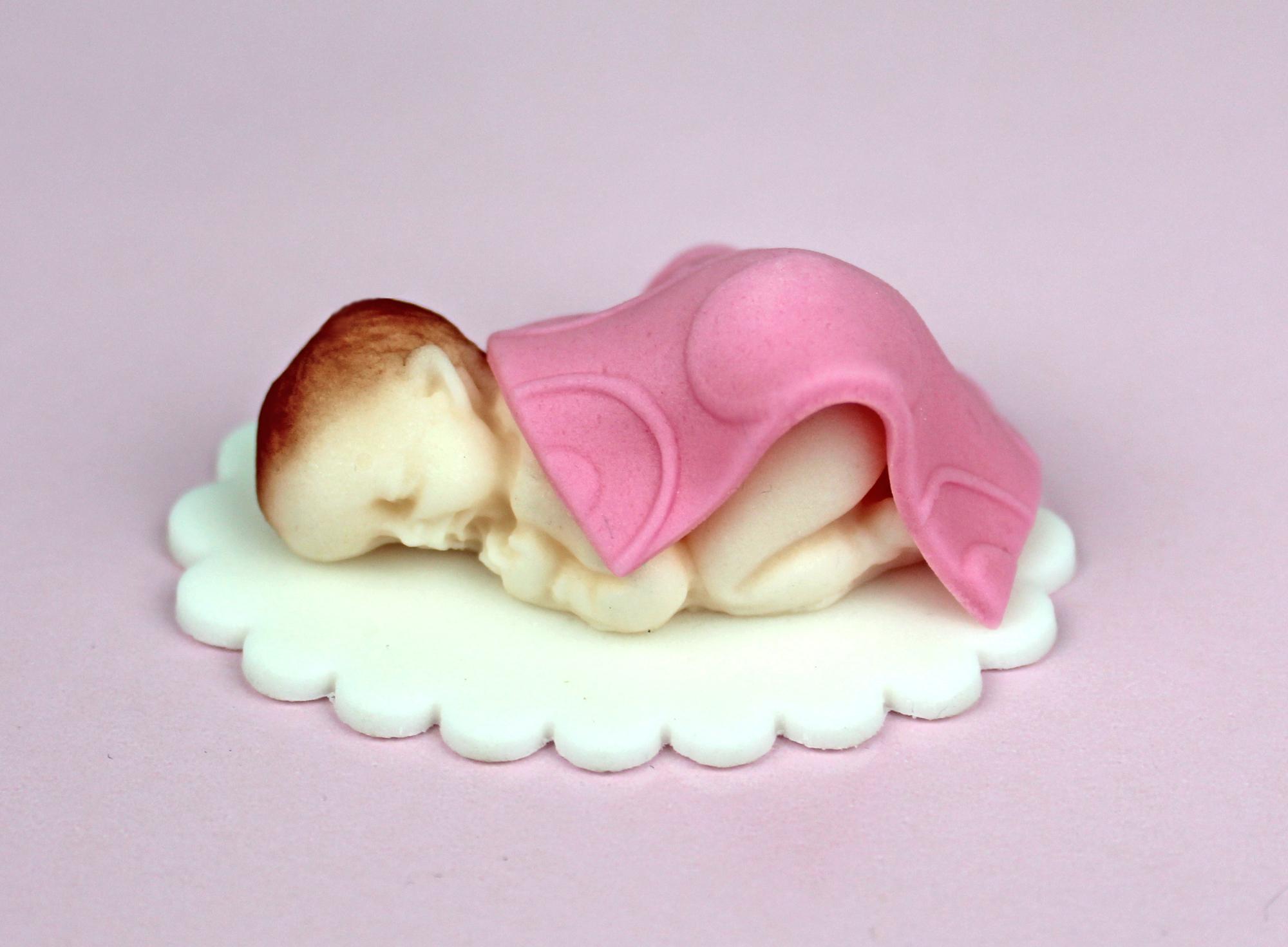 Zuckerfigur Baby mit rosa Deckchen handgemacht