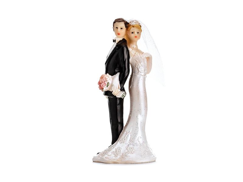 Brautpaar Rücken an Rücken