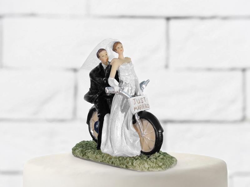 Brautpaar auf Motorrad